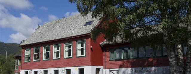 [Oppdatert 18.11.19 med rådmannen sine svar og bygdelista sine kommentarar] Prosessen rundt budsjett og økonomiplan 2020-2023 i Vindafjord er i gang. Men etter bygdelista si oppfatning er det ein uryddig […]